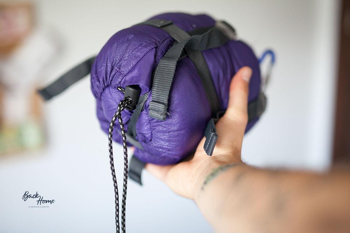 que-llevar-en-tu-mochila-de-viaje-saco