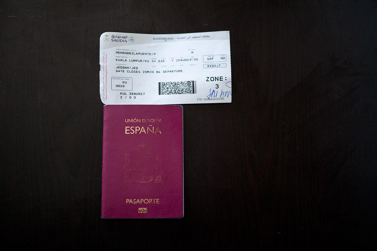 que-llevar-en-tu-mochila-de-viaje-pasaporte