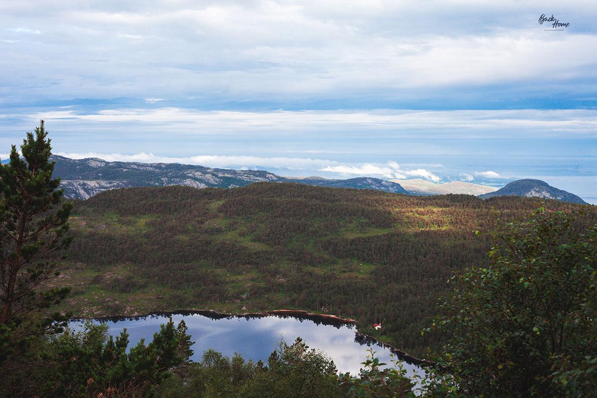 roadtrip-por-noruega-trekking-preikestolen